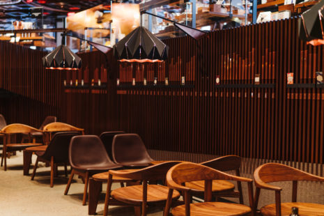 5 starbucks-reserve-roastery-interiors-cafe-new-york-city-usa_Matt Glac