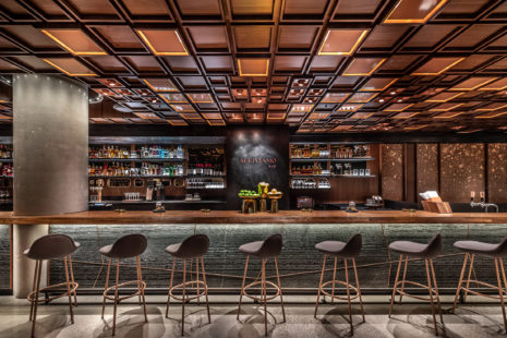 6 starbucks-reserve-roastery-interiors-cafe-new-york-city-usa_Matt Glac